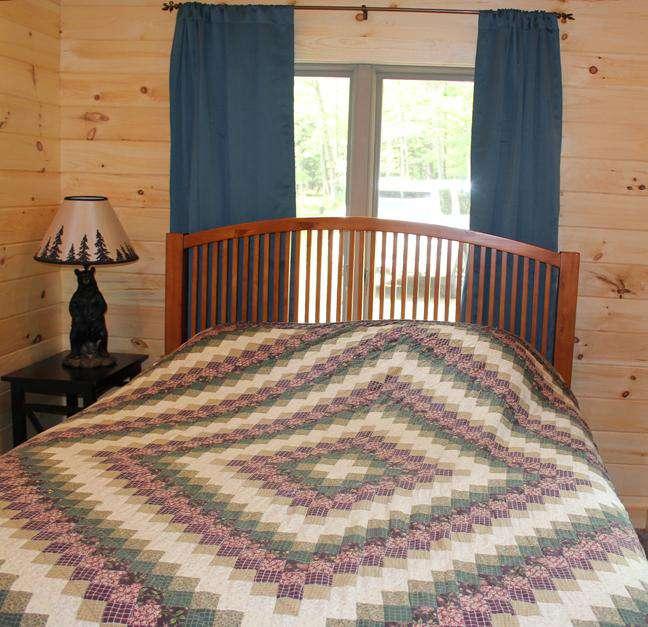 Main Bedroom - 1 Queen Bed