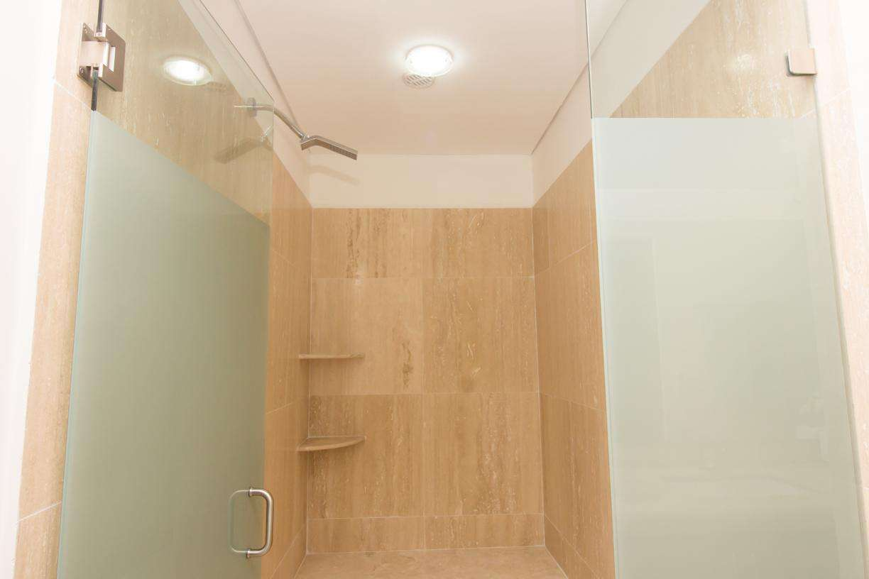 Large shower in the master ensuite