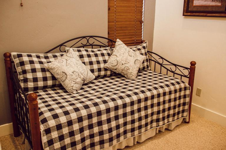 Daybed with trundler bed
