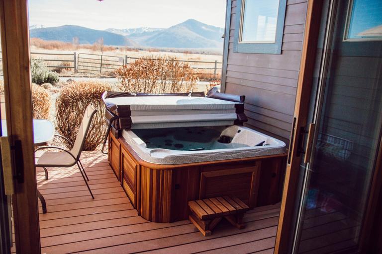 Private, new hot tub