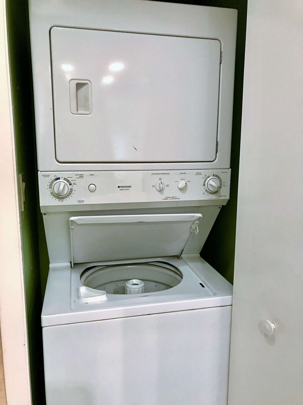 The washer and dryer in the unit makes cleaning up after a day at the beach a breeze!