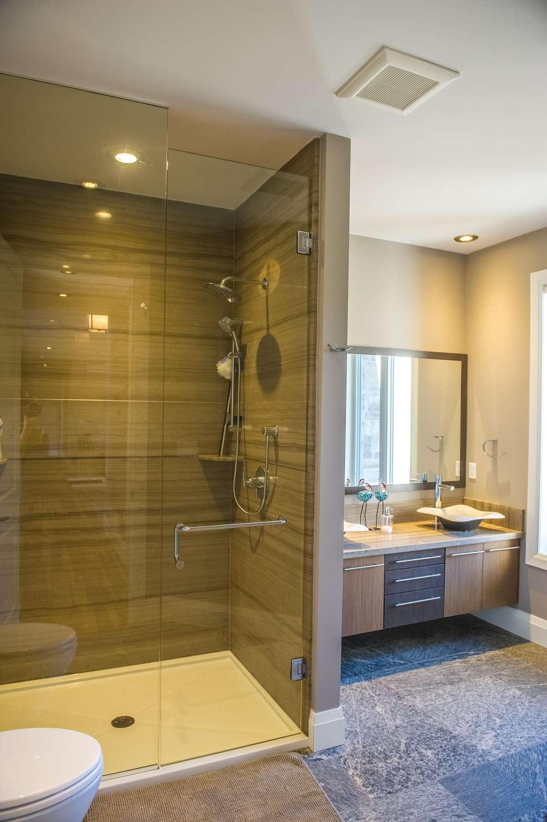 Another bathroom