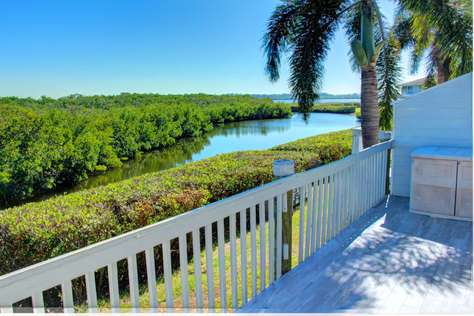 Waterfront Condo close to Anna Maria Island