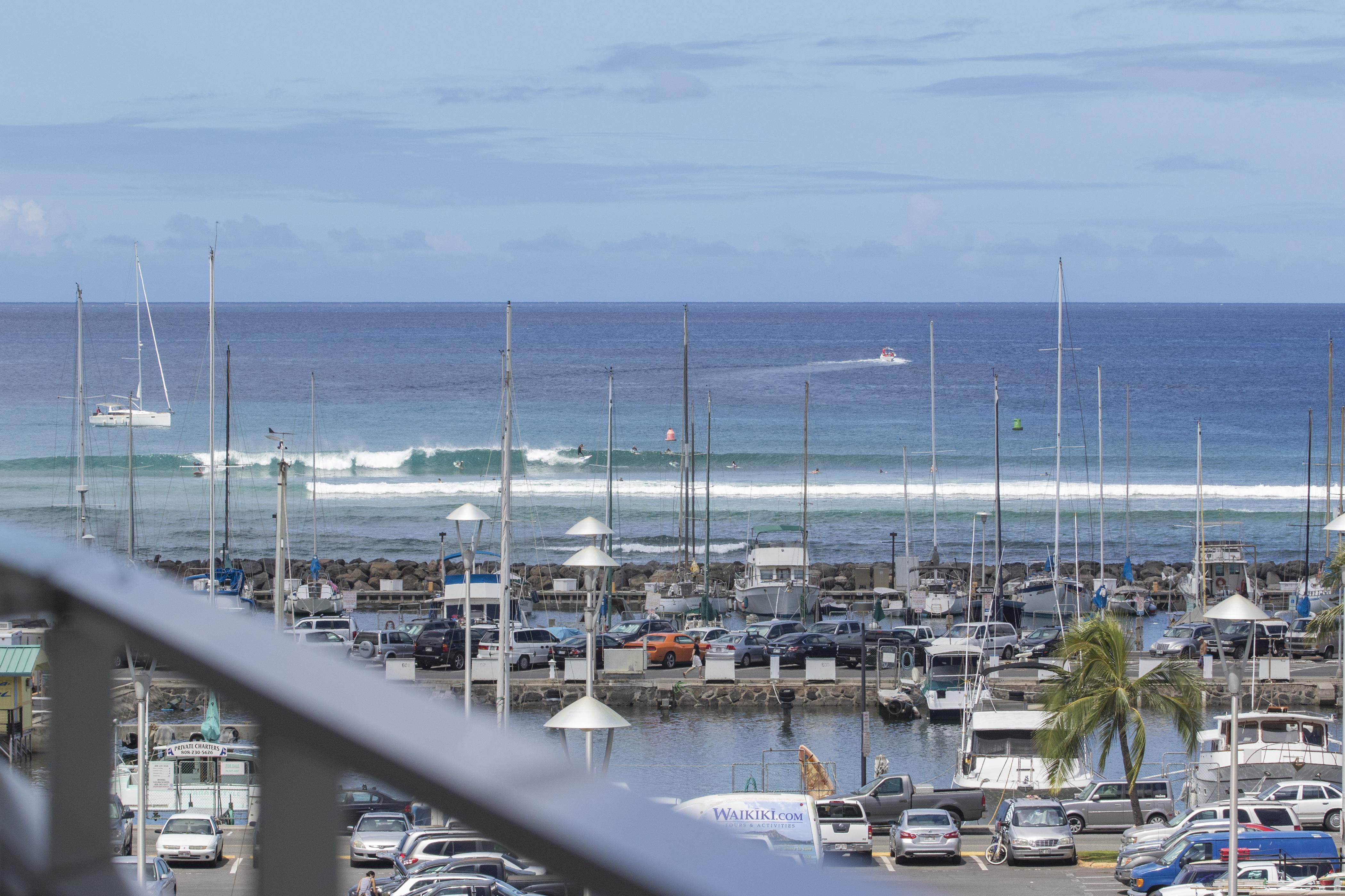 Great surf break nearby
