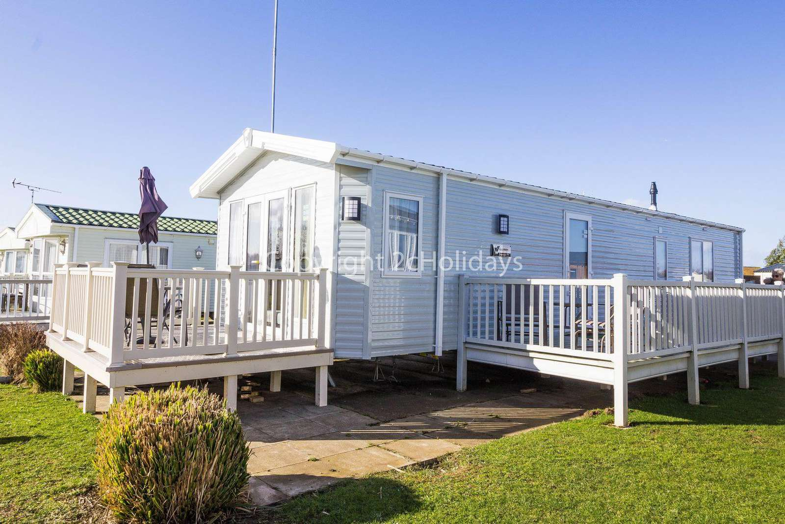 6 berth accommodation with decking in Hunstanton