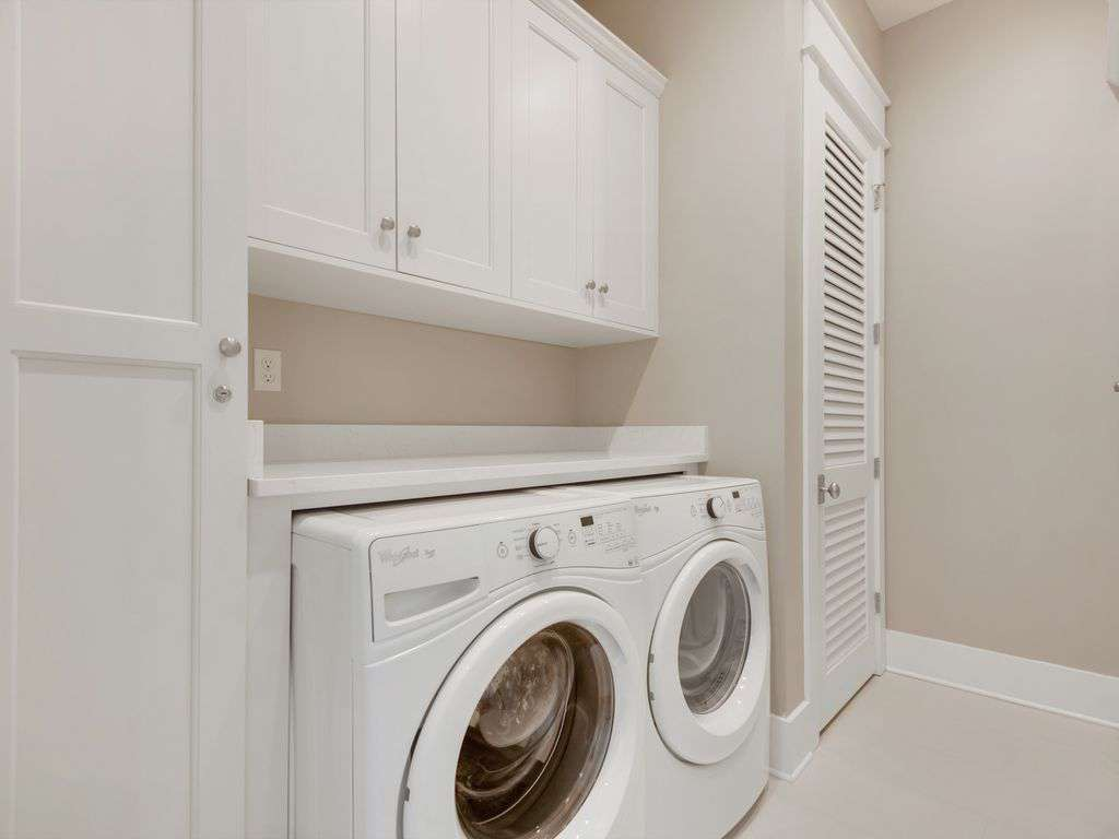 Large walk-in  laundry room