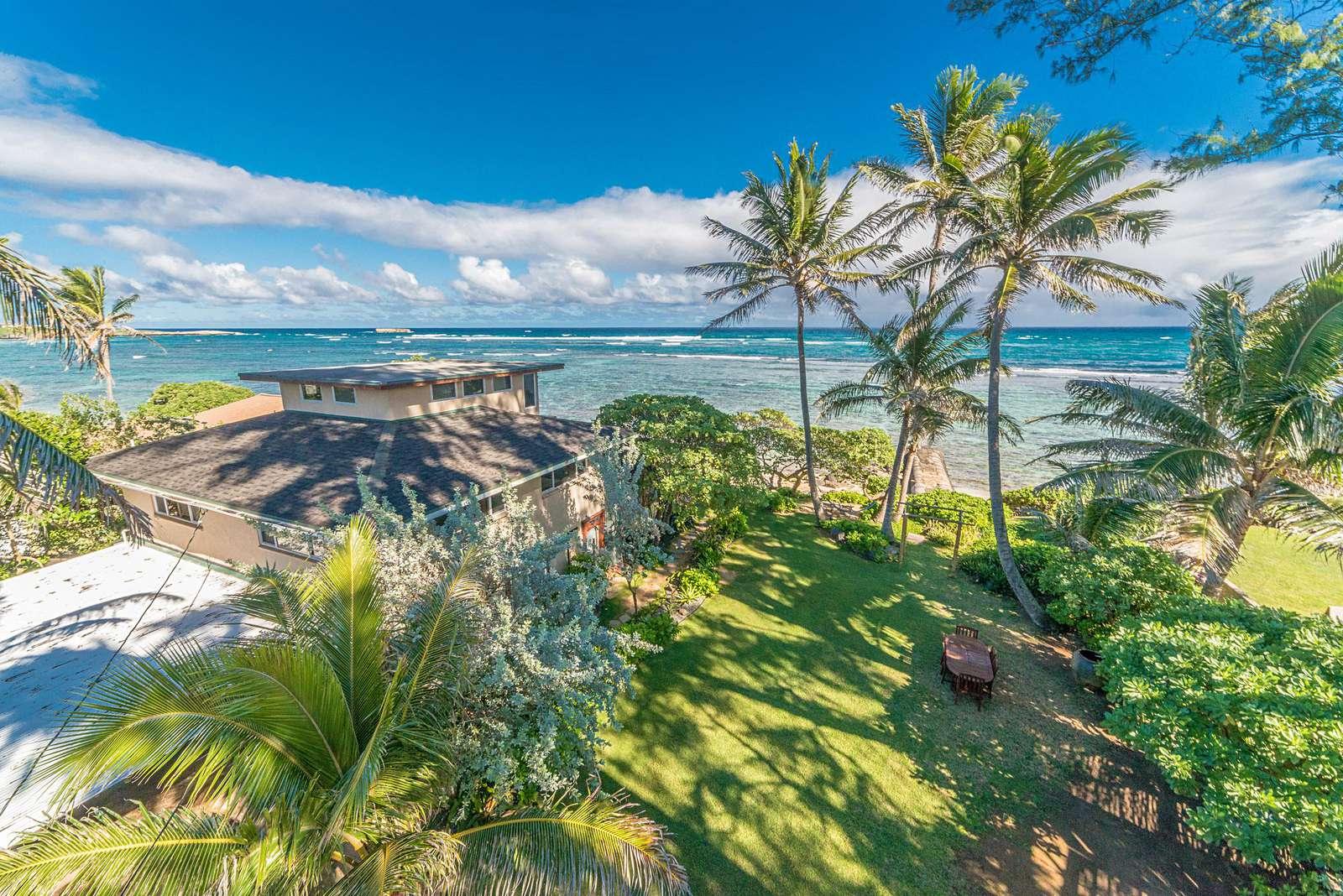 Bird's eye view of Tiki Moon  Villas beach front area