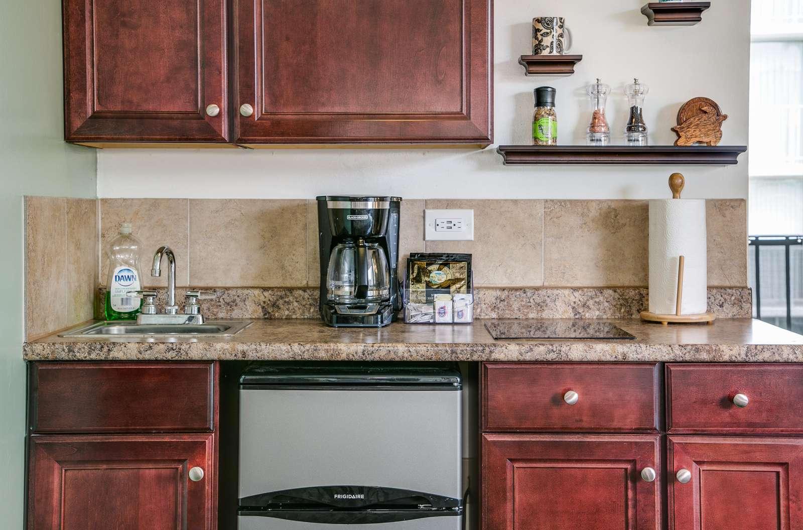 Kitchenette - Ideal for longer stays