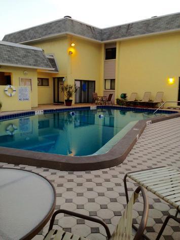 Beachfront Vacation Condo Rentals In Siesta Key, Florida U2013 Crescent Beach  Siesta U0026 Beach