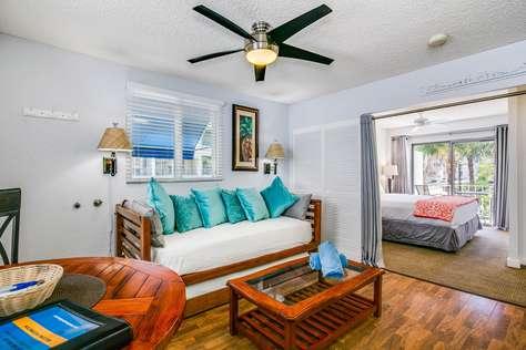 Cabana Waikiki 401