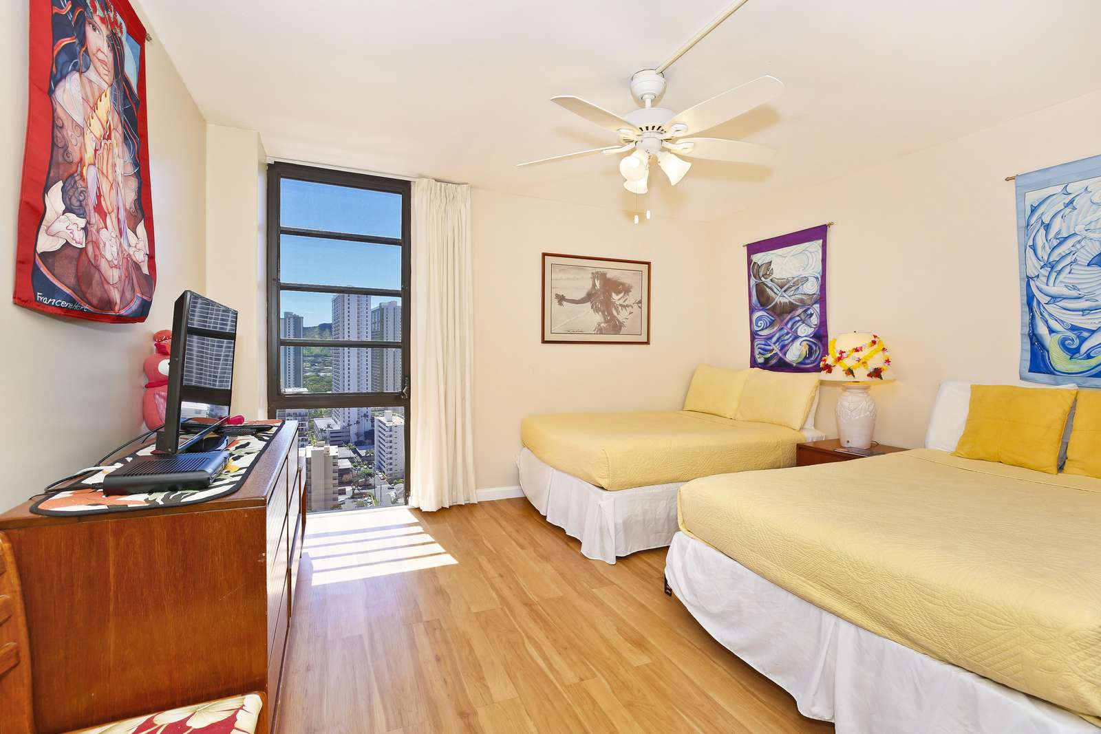 2 Double beds in the bedroom & HD TV with cable