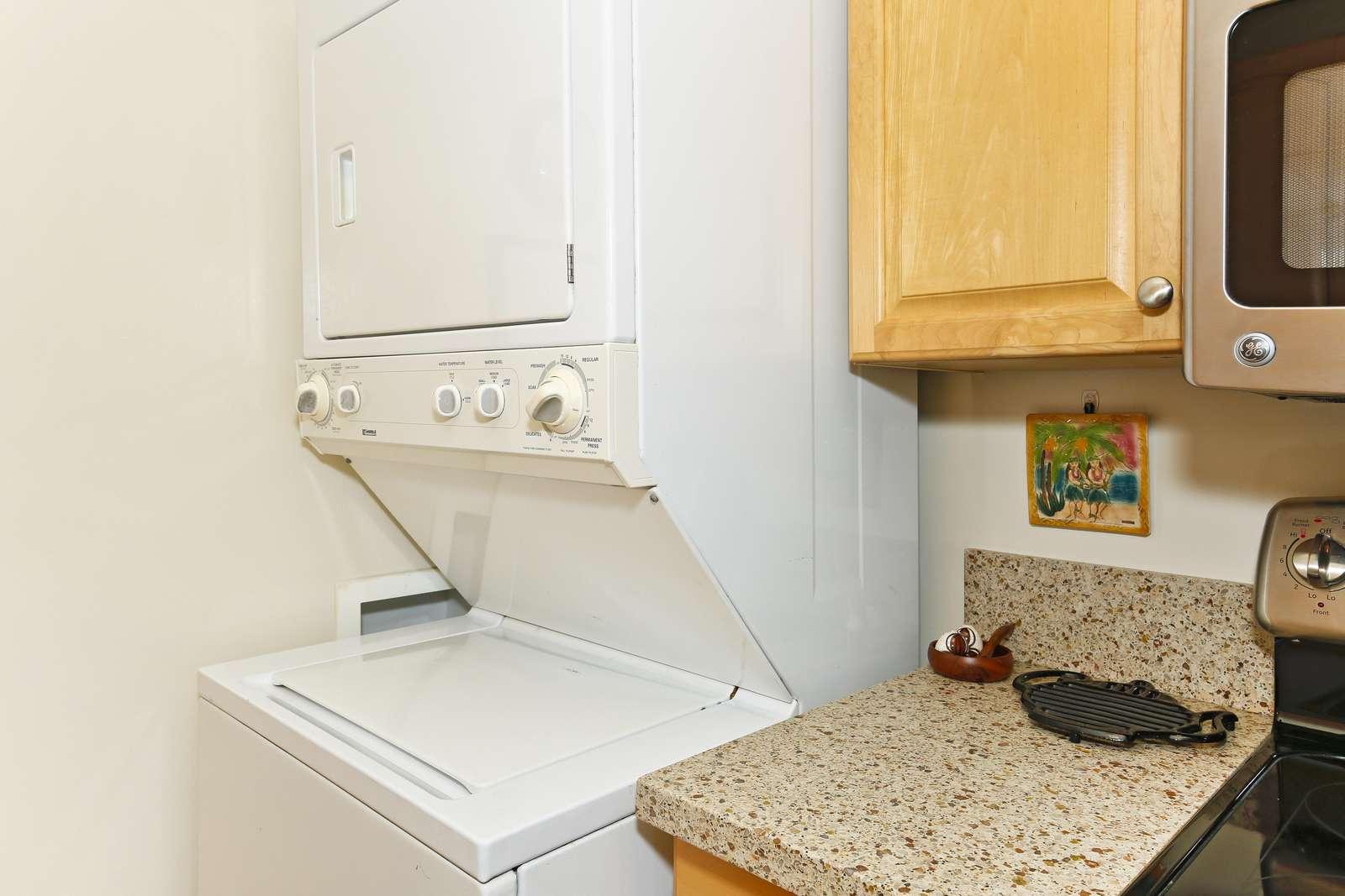 Laundry  - Washer & dryer in kitchen