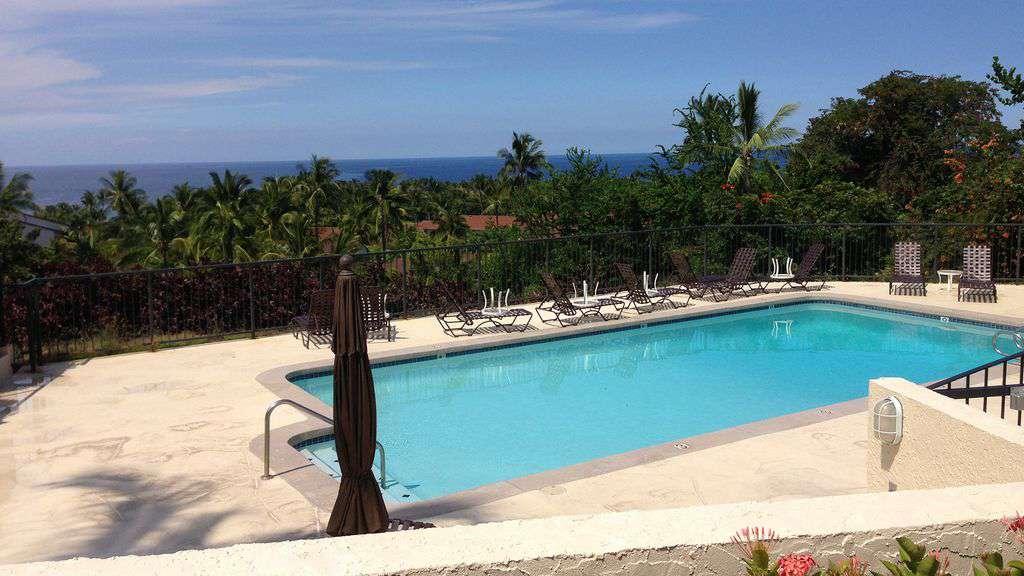 Country Club Villa Pool
