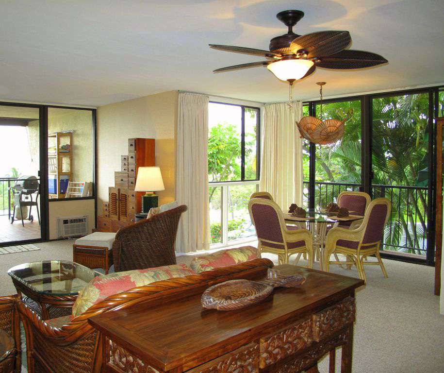 Spacious living area and dining area, with all new furnishings.