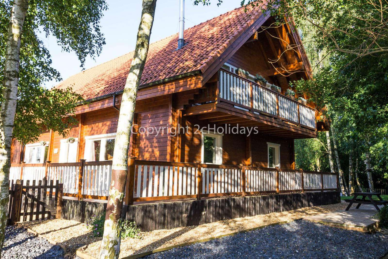 Stunning luxury cabin situated in a beautiful wooded park