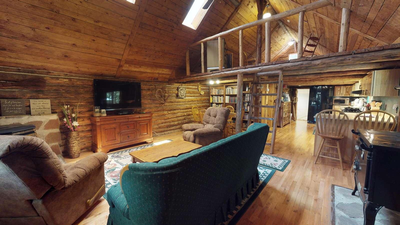 Stunning Apple Lane Log Cabin - Canyonlands