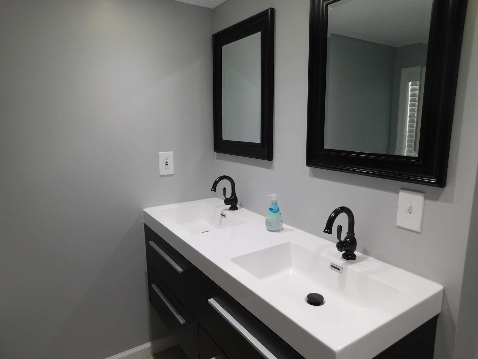 Double Sink in Hall Bath