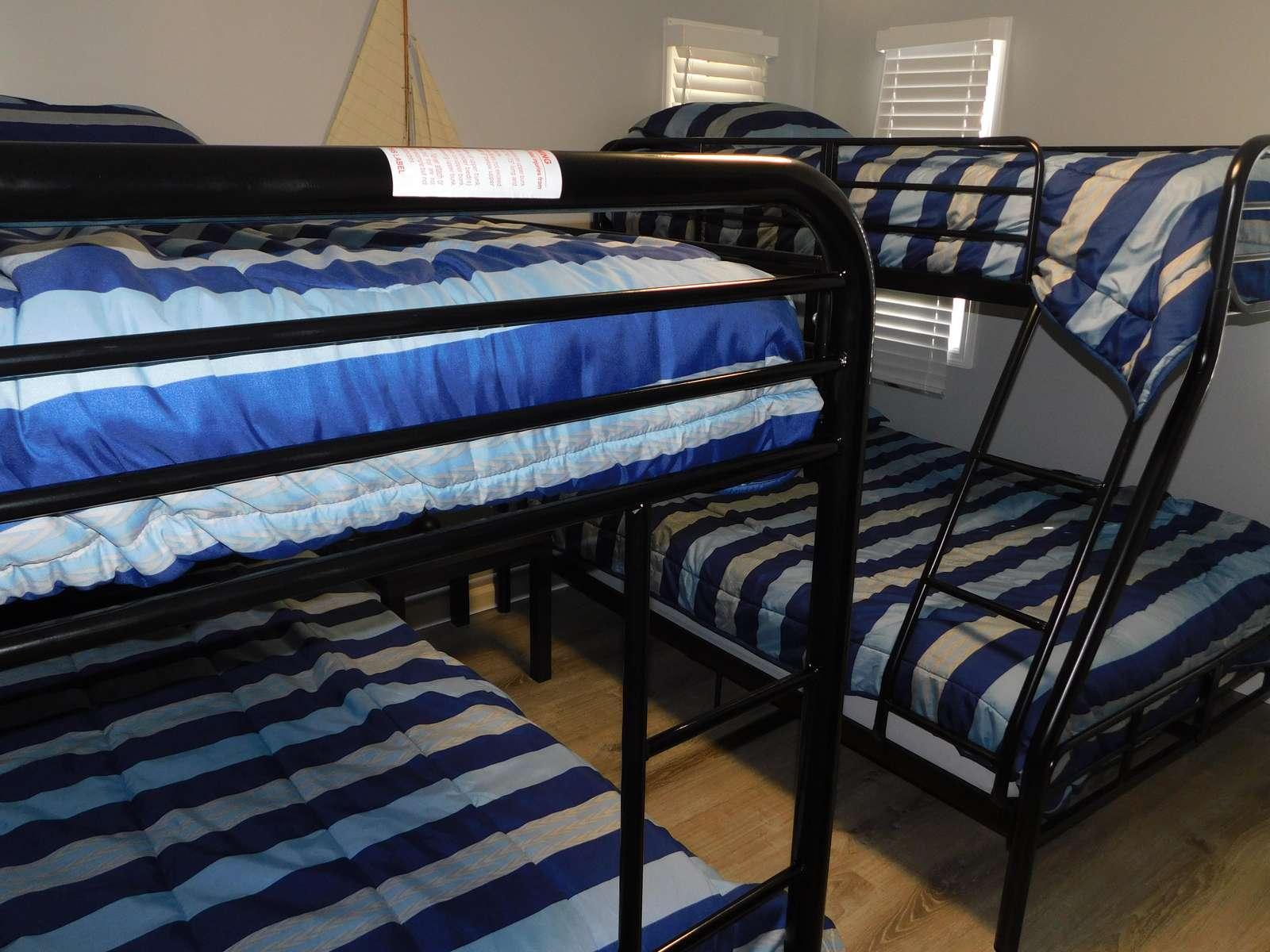 Bunk Bedroom. 2- Double/Twin Bunks