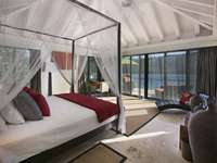 Canopy beds with more-than-memorable views! thumb