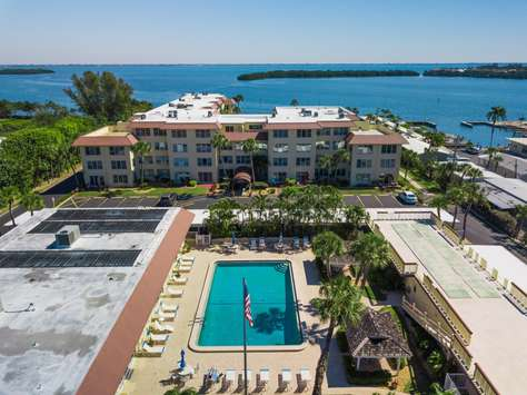 Longboat Key Cozy 1bed/1bath between white sand beach and Sarasota bay