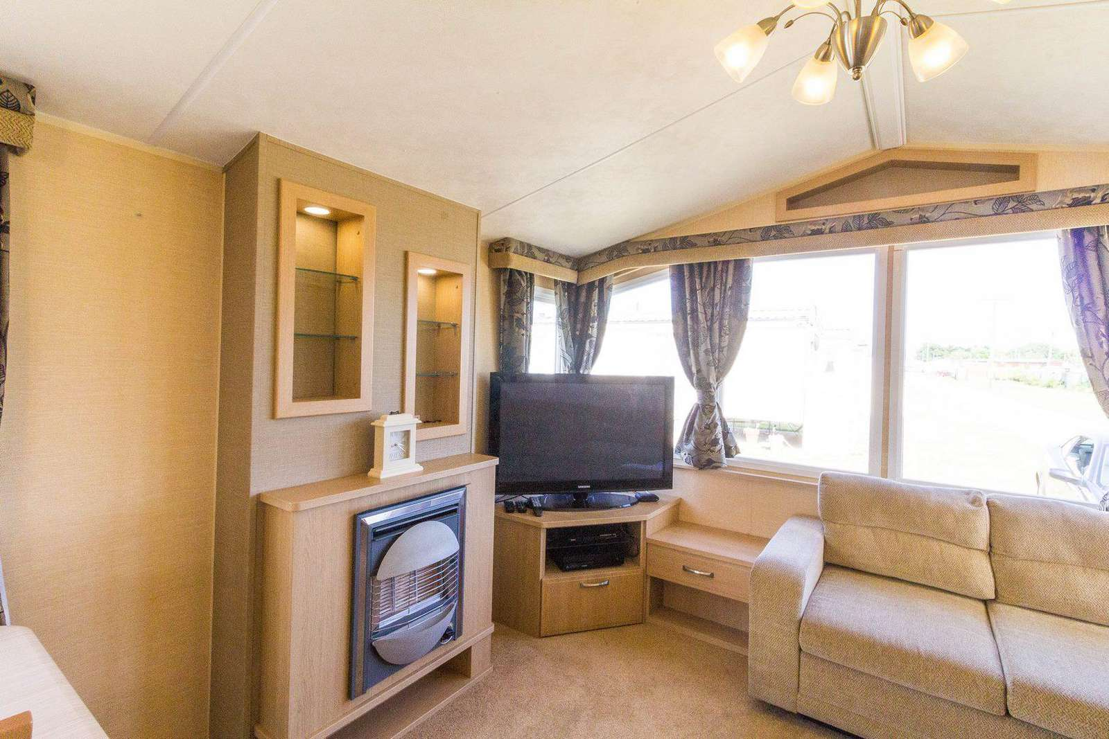Cosy living area with a gas fire!