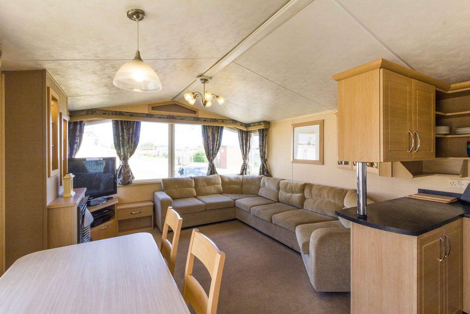 Very spacious and open plan ideal for families!
