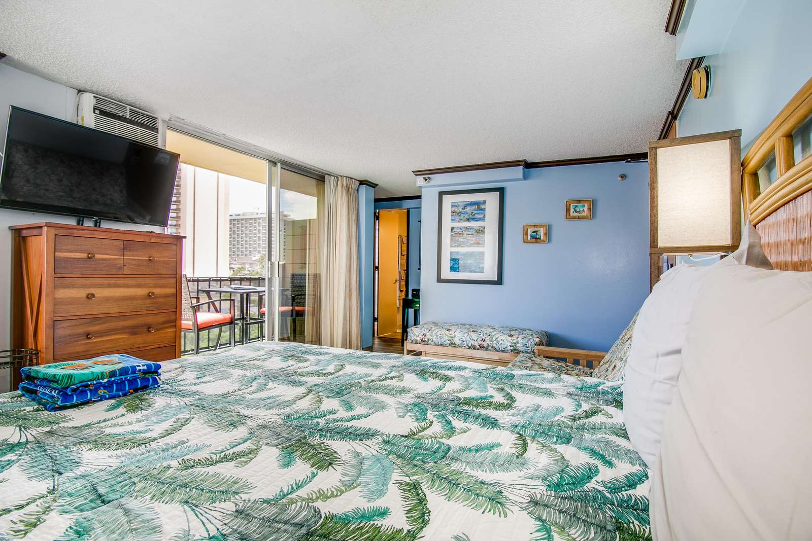 Comfort, Spacious Suite with HD TV, Cable  & WiFi
