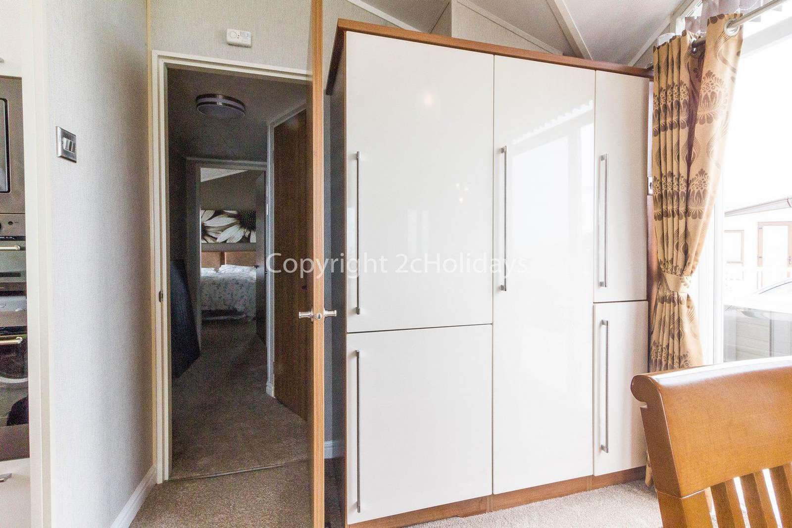 Static home for hire at the Hopton Holiday Village