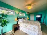 Lower suite (bedroom 5) thumb