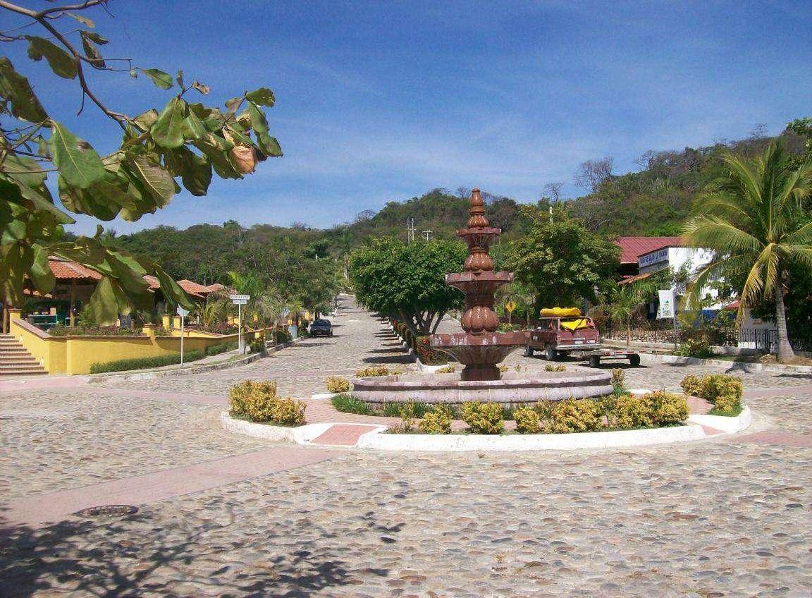 La Bocana Centre