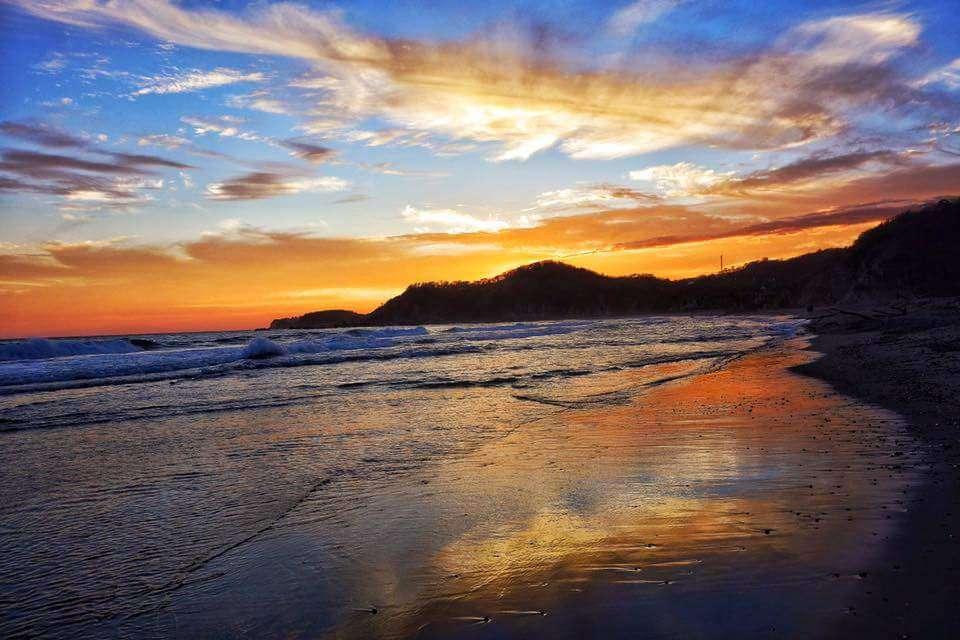 Beautiful Playa La Bocana - 1 Minute Walk Away