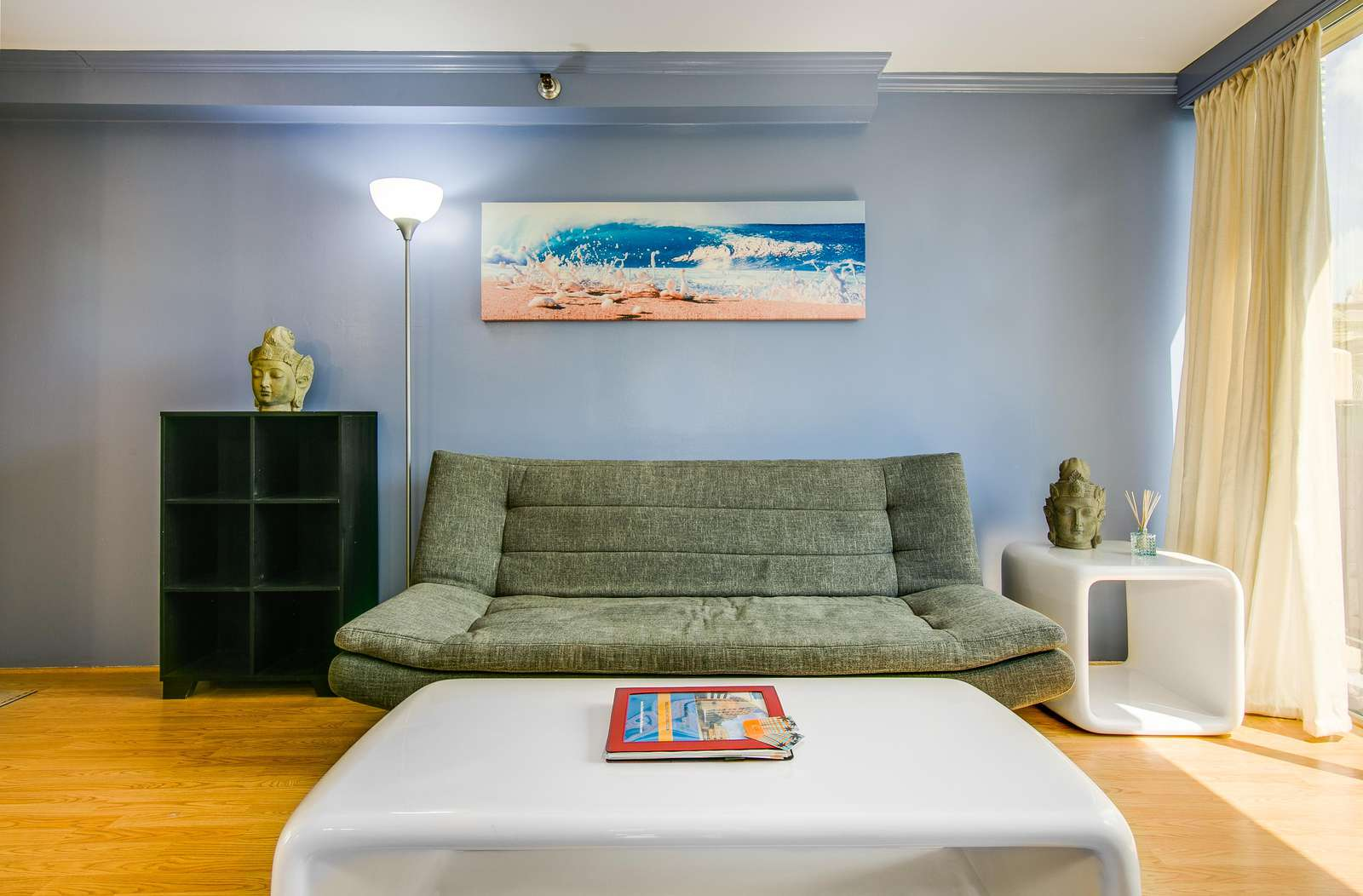 Comfy futon for that 'extra' guest (Suite sleeps 3)