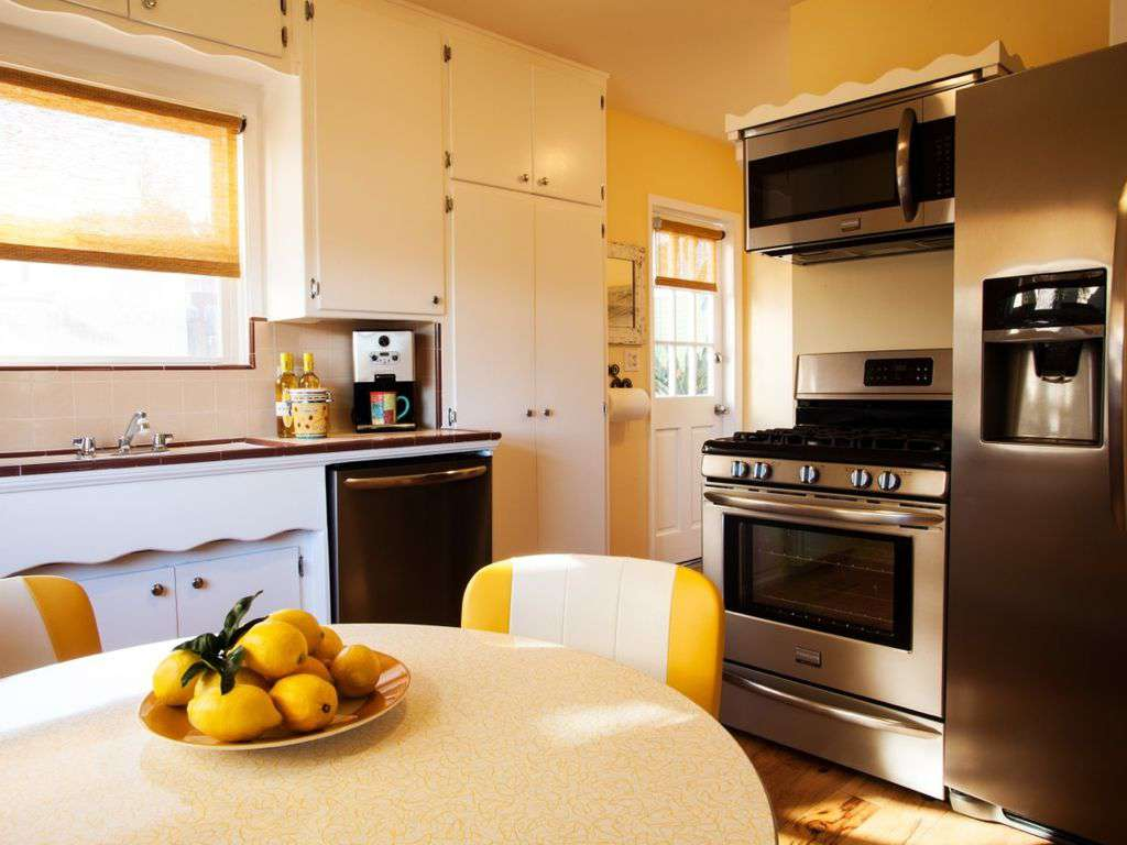 Kitchen offers 4-top dinning and all the amenities needed for today's cooks.