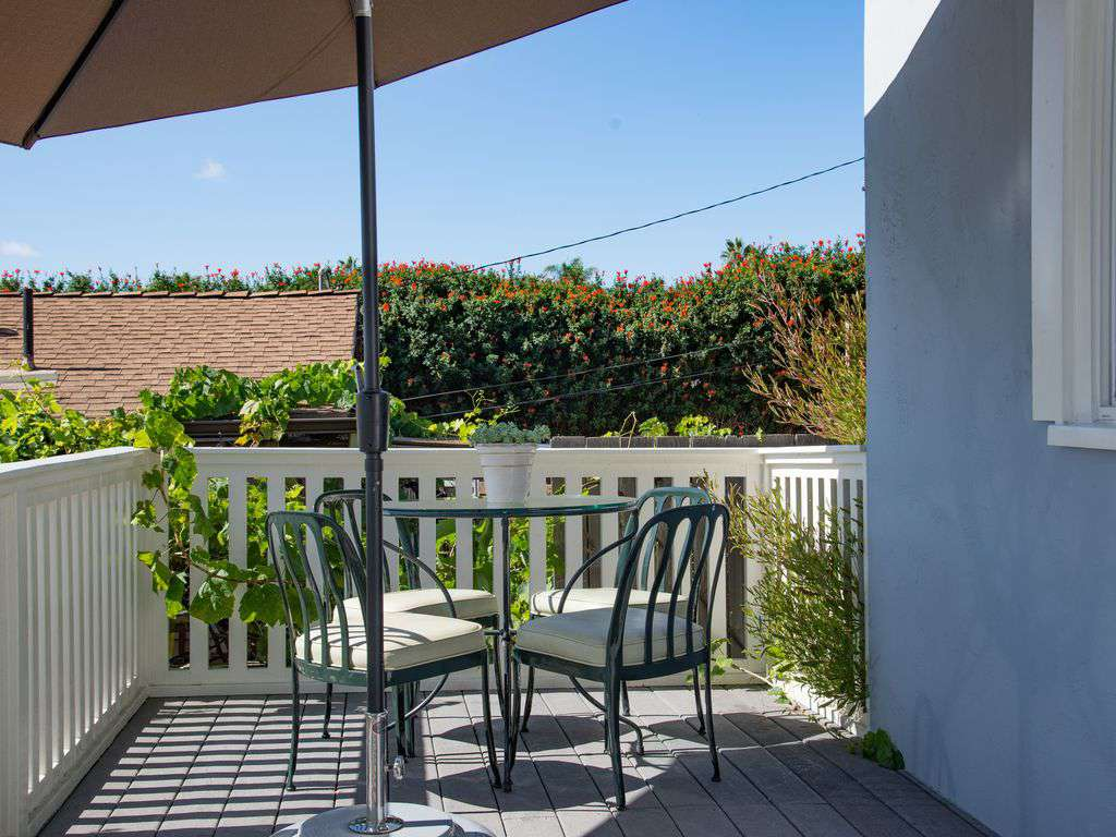 Relax with your morning coffee and tea on the front garden deck.
