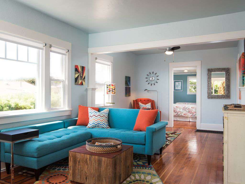 Living Room - original oak flooring and seating for 6.