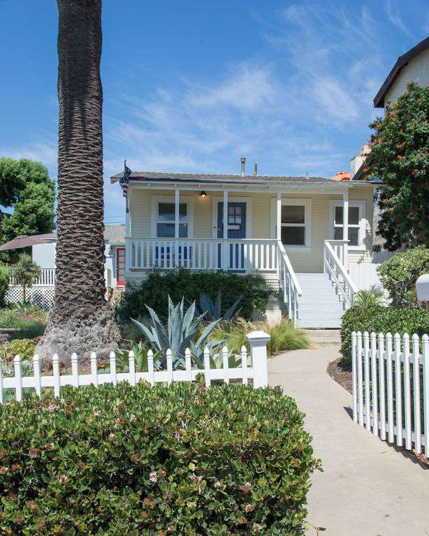 Welcome to the Ocean Beach Sunset Cottage, where the sun sets on San Diego!