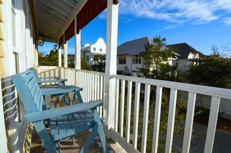 Wrap around balcony with awesome views of Rosemary and the Gulf!