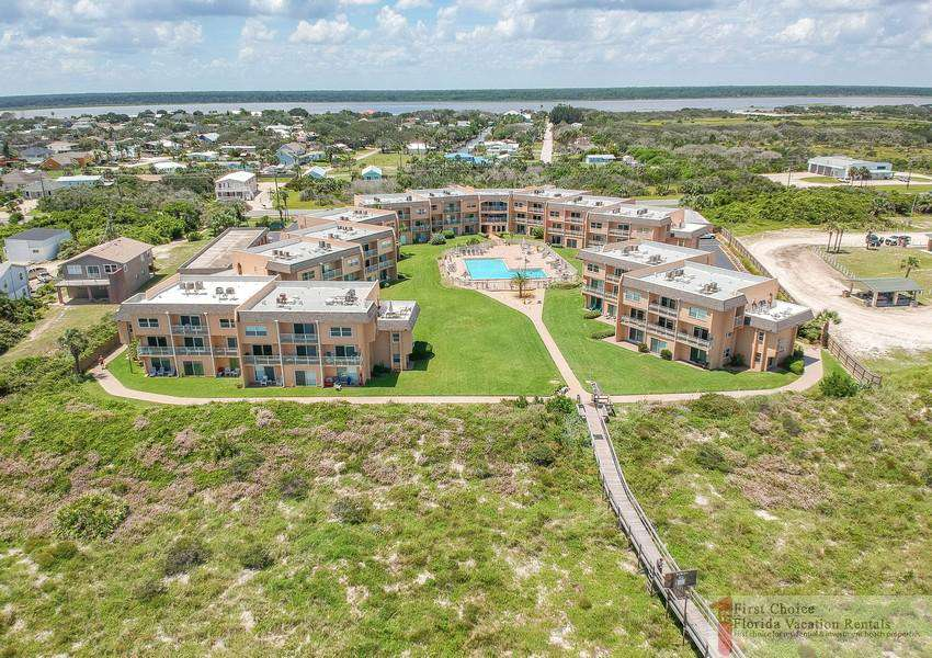 Creston House 11E Overview with Beach Walkover