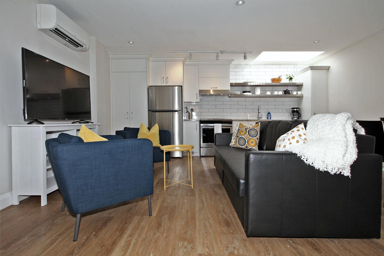Leoni Executive Flats at 1453 - Unit 1   Toronto Short Term