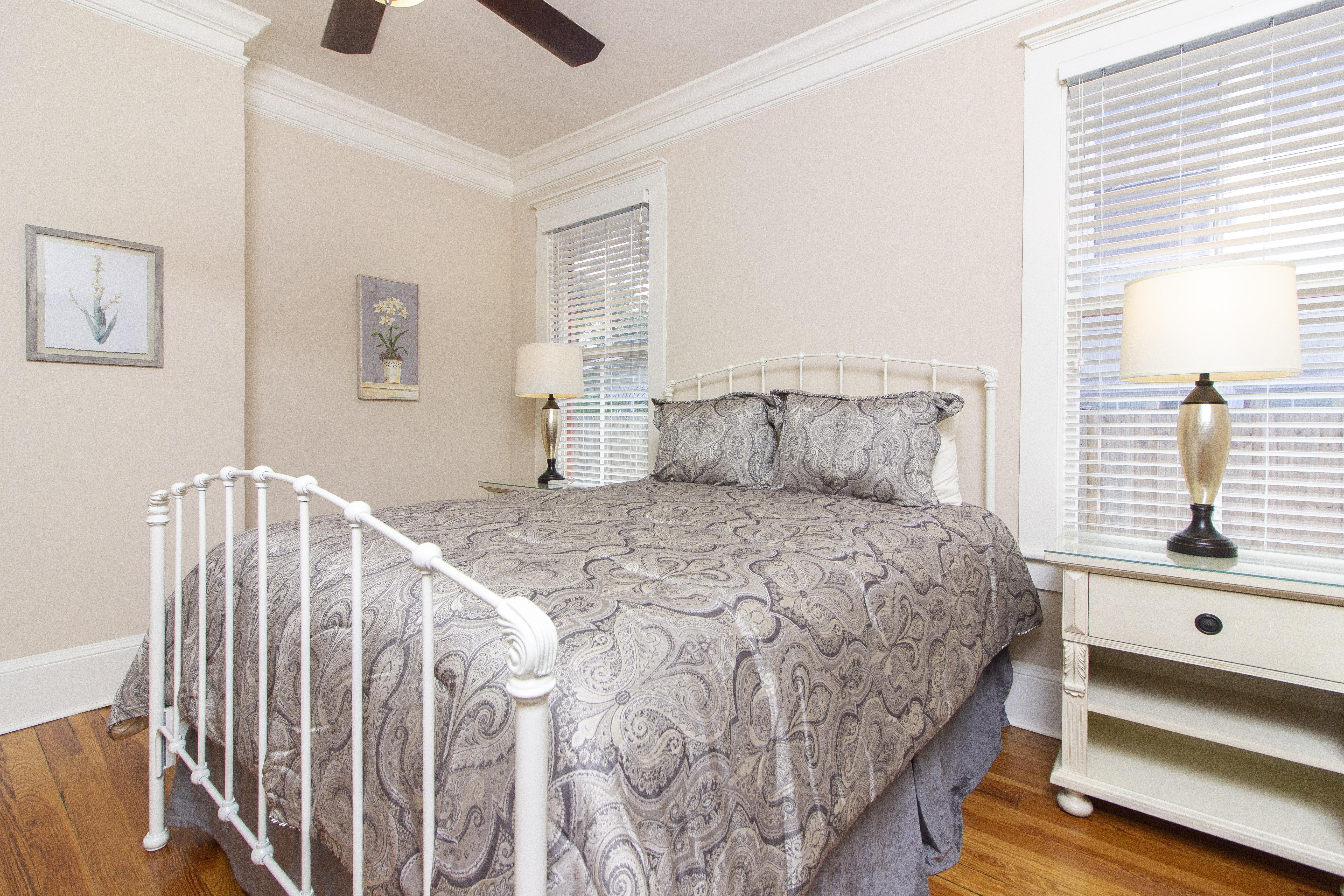 Guest Bedroom - Queen
