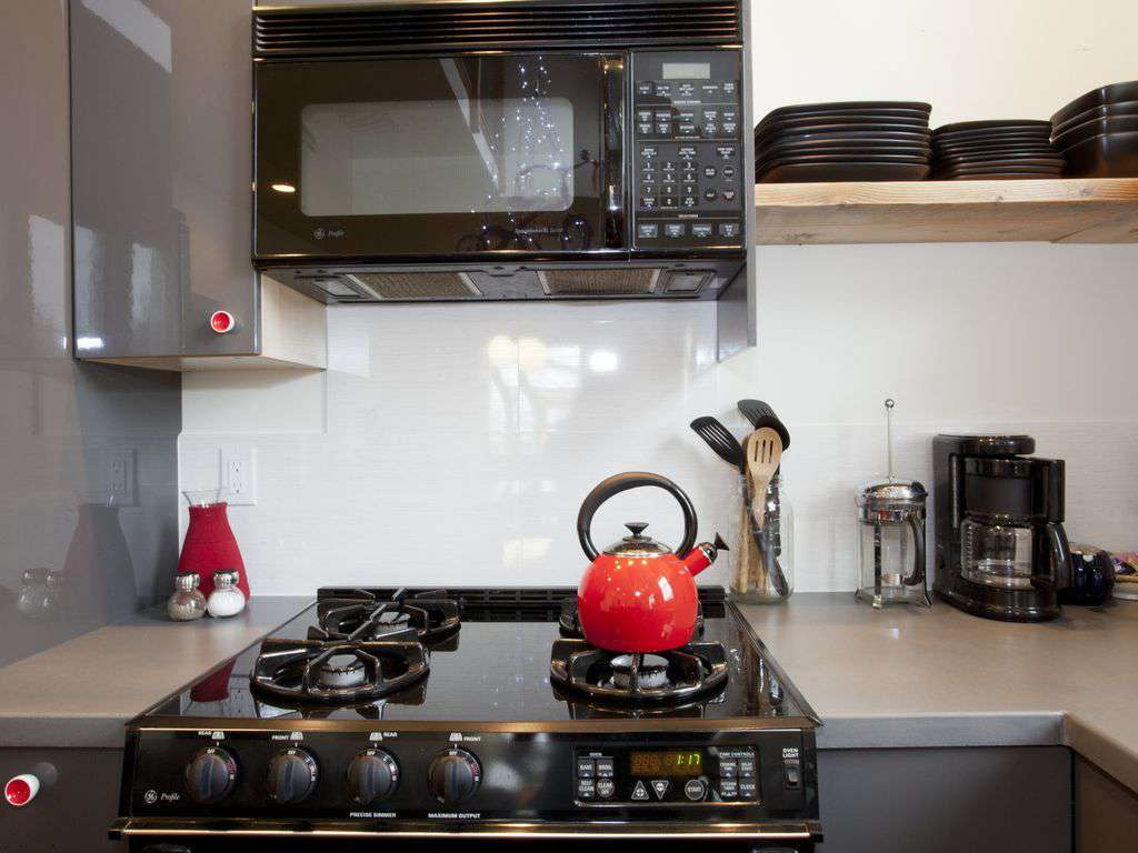 Tea, coffee, reheating food- no problem we have you covered.