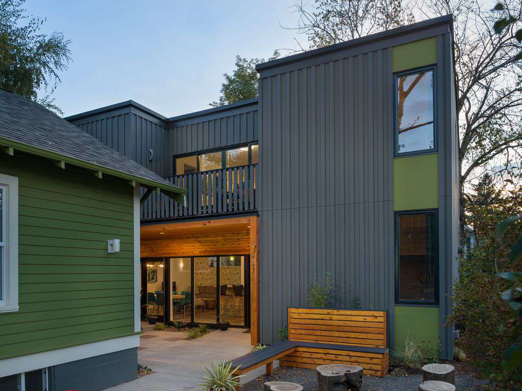 Constructed in 2015 this eco design modern house is dreamy!