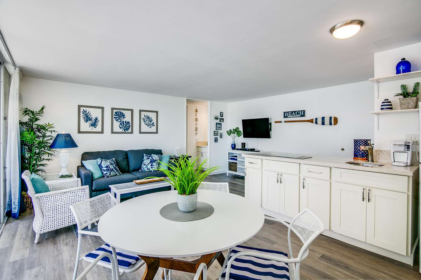 Spacious & Bright Throughout this 1 bedroom Condo
