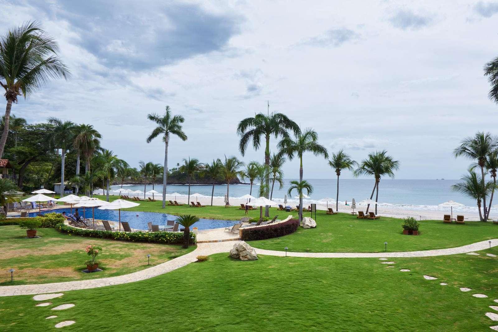 Oceanfront exclusivity, amazing pool