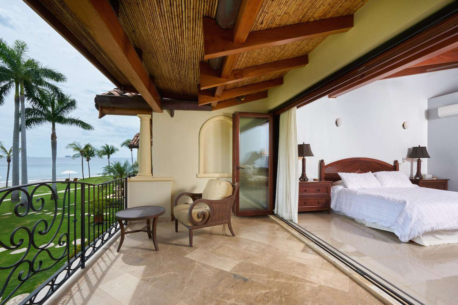Oceanfront balcony, off the master suite