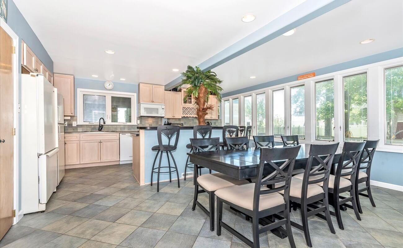 A dining area to fit the whole family!