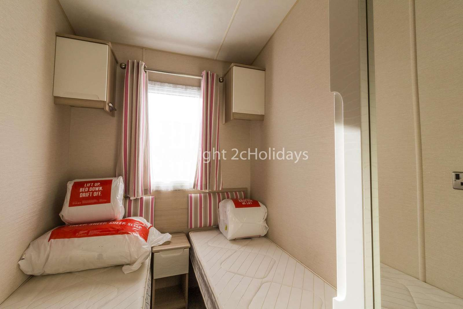 Affordable holidays in Lowestoft with 2cHolidays