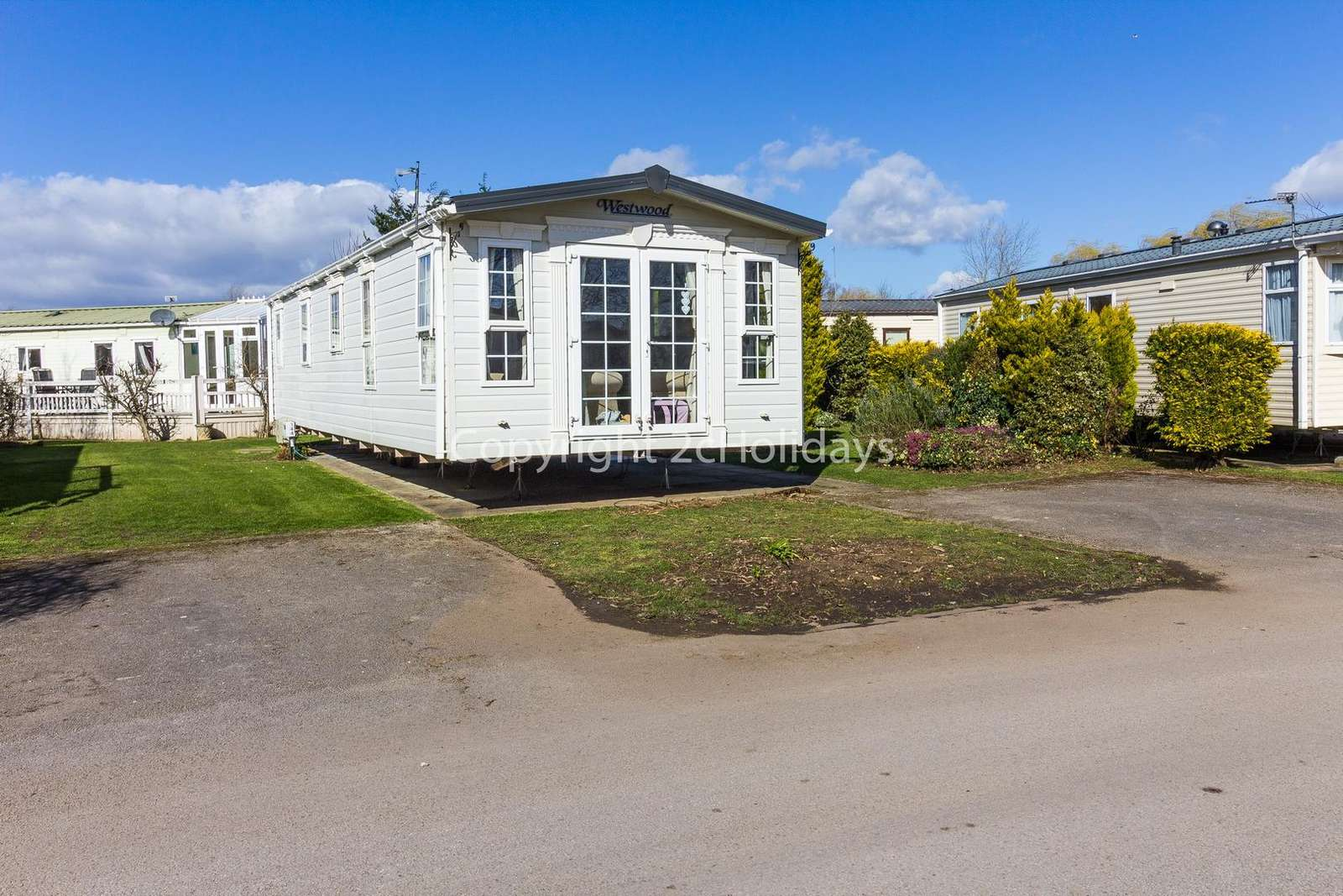 Superb 8 berth accommodation, ideal for families!