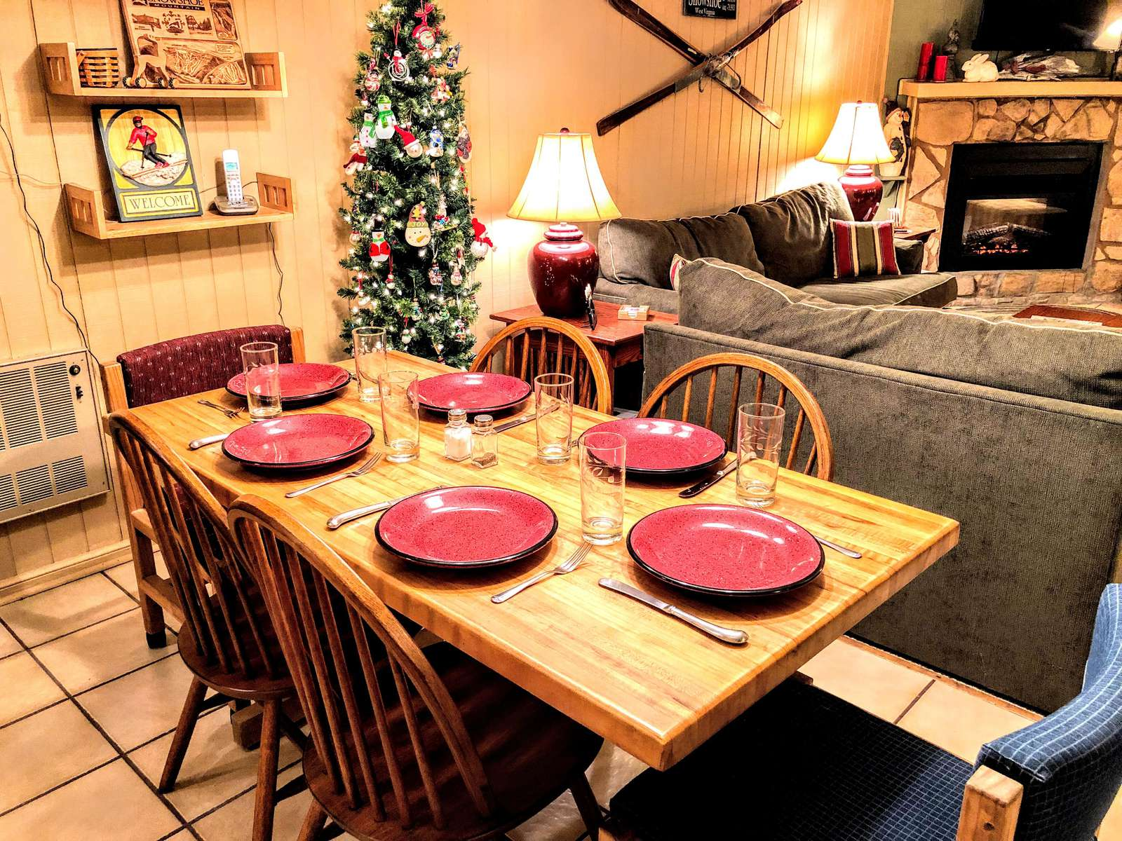 Room for six (6) at the Leatherbark 108B dinner table!!
