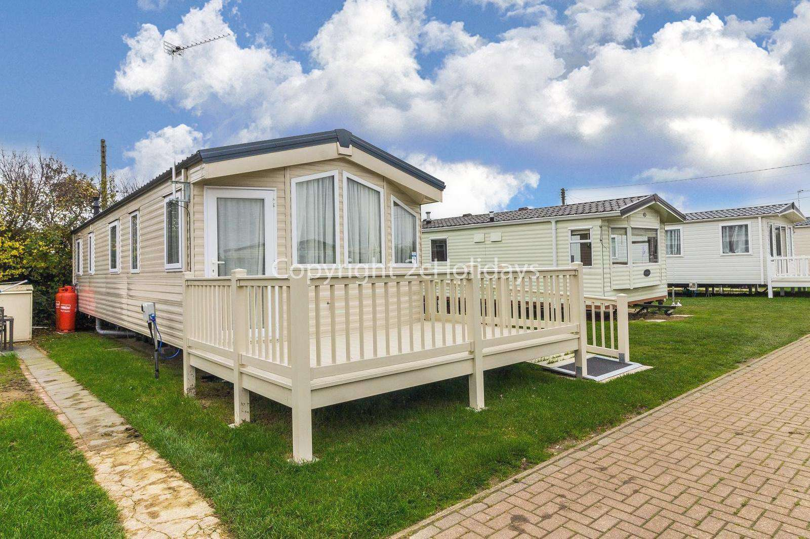 Static home with decking